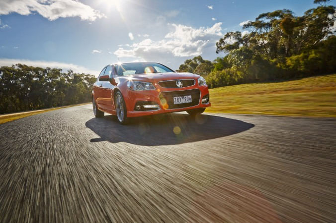 2013_Holden_VF_Commodore_SS_V_sedan_004_6207