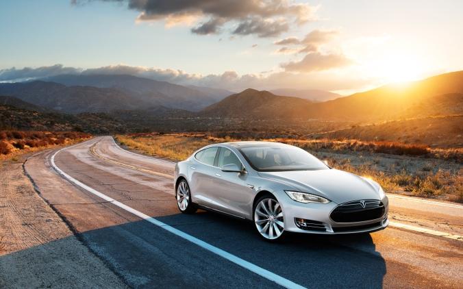 2013_Tesla_Model_S_008_0133