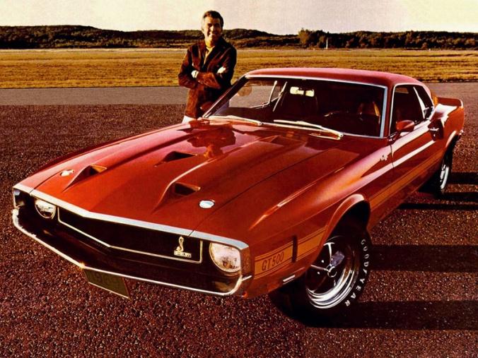 Apesar de estar sorridente na fotom Carroll Shelby não estava muito contente com a Ford em 1969